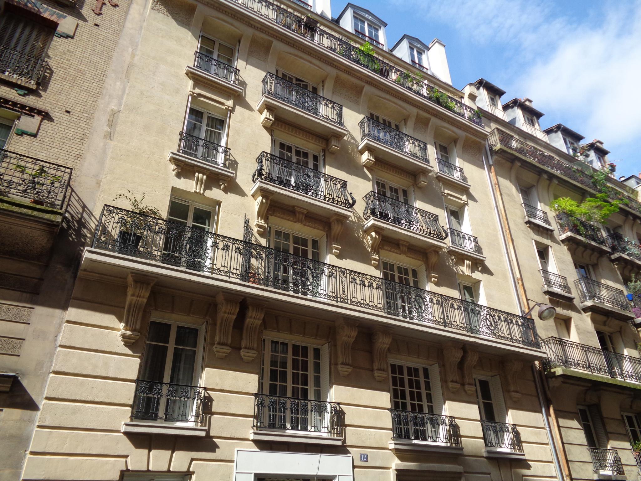 PARIS XV – CONVENTION- 2 PIECES MEUBLE